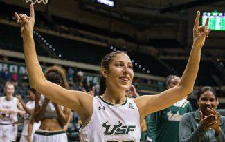 NCAA: Laia Flores, récord de asistencias y Ari Pujol se hincha a meter puntos