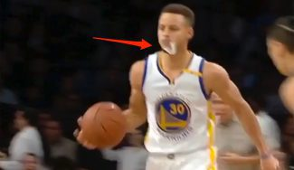 Show Warriors: Durant machaca y Curry asiste 'cazando' el protector al vuelo (Vídeo)
