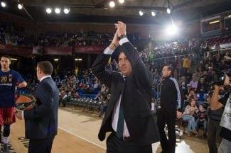 Debuta Renfroe y brilla Tomic: el Barça gana en la vuelta de Pascual, ovacionado (Vídeos)