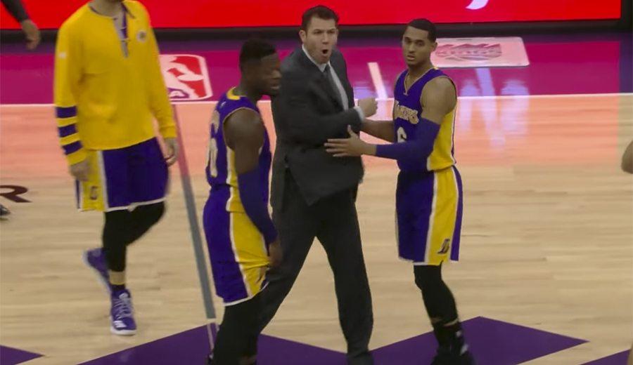 Otra derrota de Lakers: Walton estalla por un 'abrazo' de Cousins y acaba expulsado (Vídeo)