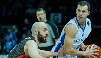 El ex ACB Jimmy Baron, a lo Curry: brilla en Champions con 42 puntos y 10 triples (Vídeo)