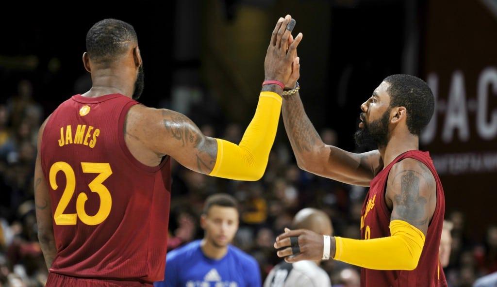 Los Cavs remontan a los Warriors: gorrazo de LeBron y canasta ganadora de Irving (Vídeos)