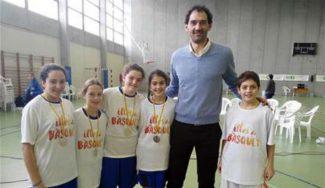 Garbajosa lo pasa en grande en Pollença: torneo de Minibasket en Mallorca