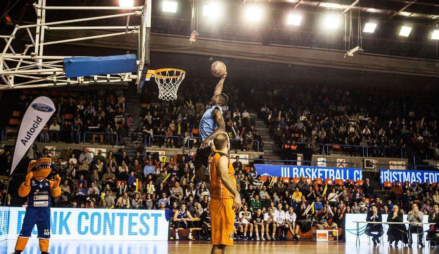 Basketball Christmas Edition en Burgos: Más de 2000 personas y 5000 juguetes recaudados (Vídeo)