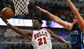 Butler mete 52 puntos en el triunfo de Bulls: Mirotic cumple y Rondo no juega (Vídeo)