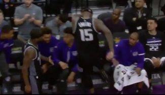 Cousins, frustrado ante los Warriors: tapón de Durant y a golpes con una silla (Vídeo)