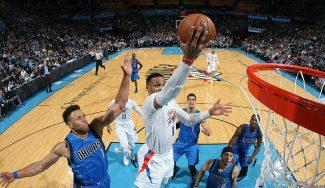 Westbrook exhibe su lado anotador y Kanter se lesiona… ¡golpeando una silla! (Vídeo)
