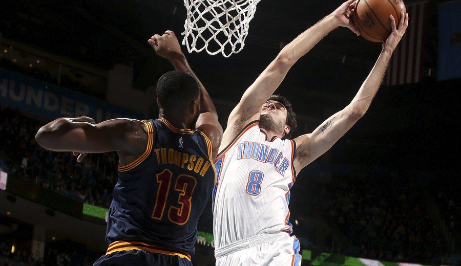 Triple-doble de Westbrook para ganarle el duelo a Irving: matazo de Abrines (Vídeo)