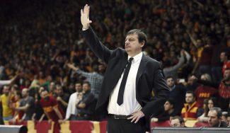Ergin Ataman tacha a sus jugadores del Efes de «poco profesionales»