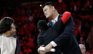 Harden se exhibe en la noche de homenaje a Yao: 42 puntos y canasta decisiva (Vídeo)