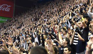 ¡Ambientazo! La Pionir vibra con el triunfo del Partizan ante el invicto Estrella Roja (Vídeos)