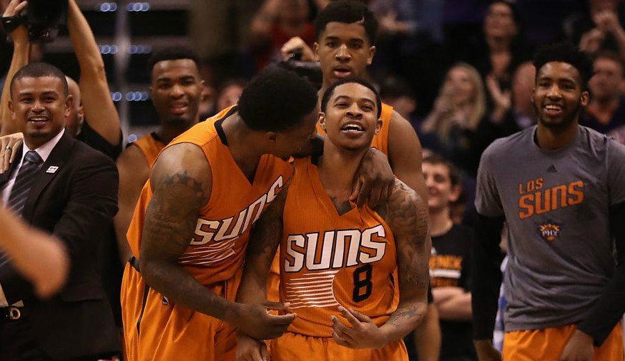 ¡Sorprendente final! Los Suns meten 5 puntos en 11 segundos para tumbar a Boston (Vídeo)