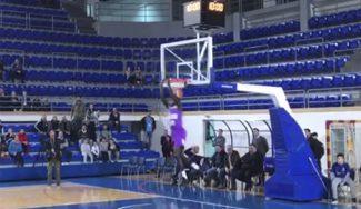 ¡Vaya muelles! Mira cómo machaca el cadete madridista Amar Sylla en la Bar Cup (Vídeo)