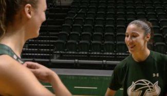¡Vaya duelo! Laia Flores y Ariadna Pujol se pican al juego del Burro (Vídeo)