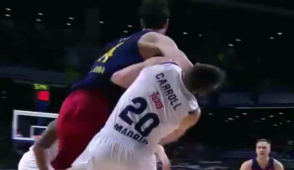 Duro castigo de Euroliga al Barça: un partido a Tomic por su codazo y multa a Bartzokas