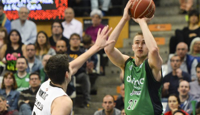 La Penya respira ganando al Bilbao: taponazo de Jordan y racha de Bogdanovic (Vídeo)