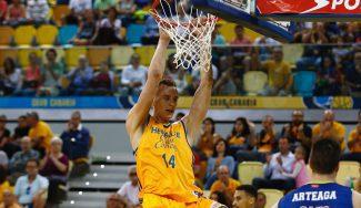 Pasecniks se sale ante la mirada de Spurs y Nets: récord anotador ACB y matazos (Vídeo)