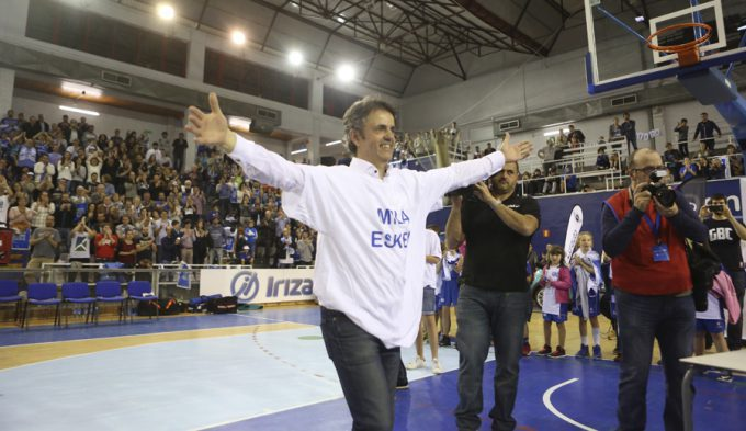 El emotivo recuerdo de Porfi Fisac tras lograr el ascenso con el Gipuzkoa a la ACB (Vídeo)