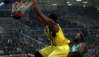 Ekpe Udoh desvela el secreto de los triunfos del Fenerbahçe en la pista del Panathinaikos