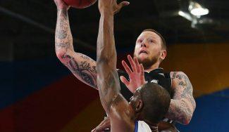 Un ex ACB se ratifica como máximo anotador de Europa con 37 puntos… y derrota (Vídeo)