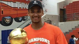 Sebas Saiz se corona en el PIT: gana el título y es elegido en el Mejor Equipo del torneo