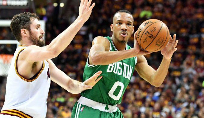 ¡Orgullo celtic! Remontada y triple ganador de Avery Bradley para asaltar Cleveland (Vídeo)