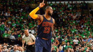 LeBron supera a Jordan y mete a los Cavs en la final: máximo anotador en playoffs (Vídeo)