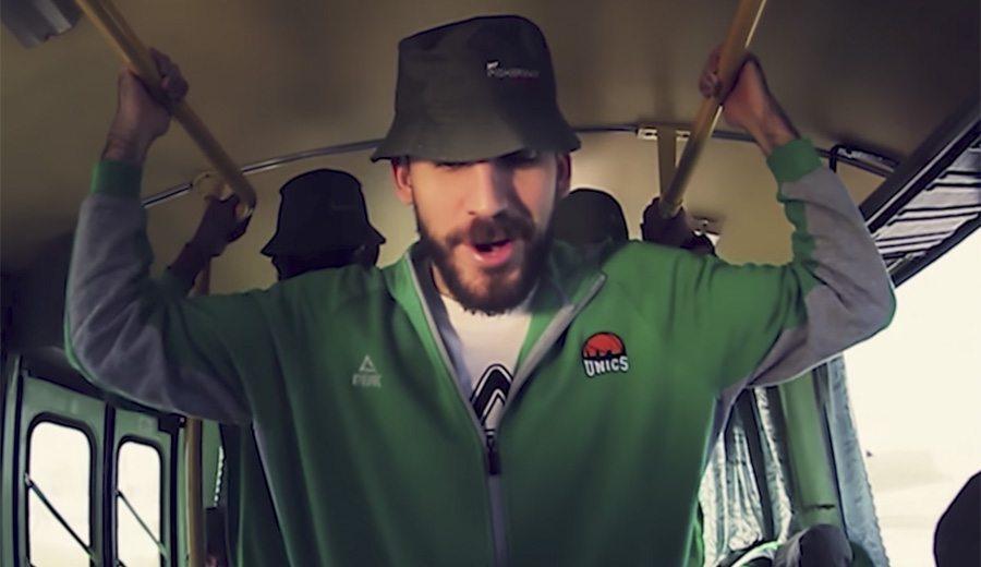 Quino Colom se pasa a la música: da el cante en un videoclip del Unics… ¡en ruso! (Vídeo)
