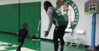 ¡Vaya duelo! El hijo de Isaiah Thomas reta al jugador de los Celtics Jae Crowder (Vídeo)