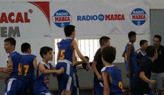 Showtime en La Roda: pase sin mirar y mate entre dos jugadores del UCAM Murcia (Vídeo)