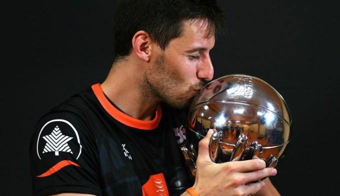 El Valencia recupera a Van Rossom: vuelve para jugar su quinta temporada de taronja