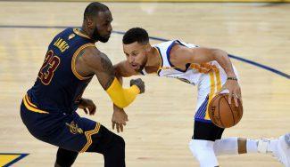 Los Warriors ponen el 2-0: Durant lidera y Curry se divierte a costa de LeBron (Vídeo)