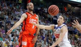 El Valencia asalta Madrid: canasta imposible de Dubljevic para rematar la sorpresa (Vídeo)