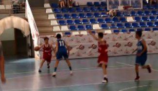 Genes de basket: así mete triples el nieto de Svetislav Pesic, ex entrenador del Barça (Vídeo)