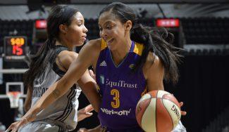 Candace Parker hace historia: sexta jugadora de la WNBA en firmar un triple-doble (Vídeo)