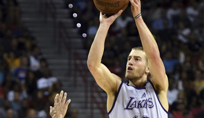 El Obra ficha al escolta Matt Thomas: brilló en la Liga de Verano con los Lakers (Vídeos)