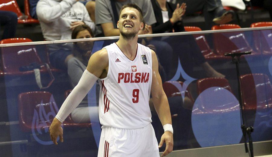 Ponitka ya ilusiona a la afición del Canarias: 22 puntos en el estreno de Polonia (Vídeo)