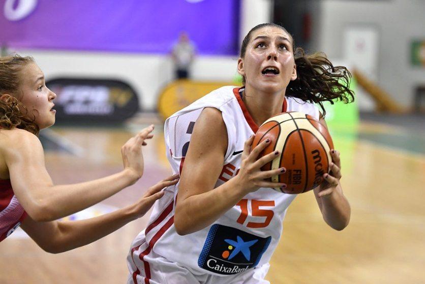 Otro tercer cuarto sublime: España puede con Hungría con doble-doble de Araújo