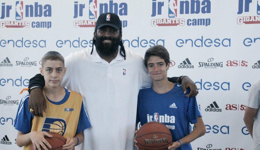 Turiaf pasa revista a la actualidad en el Jr NBA Gigantes Camp: Pau, Ricky, Curry, LeBron