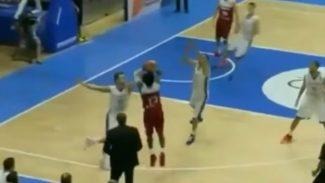 Bobby Dixon tumba a un rival de España en el Eurobasket: triple con dos defensores (Vídeo)