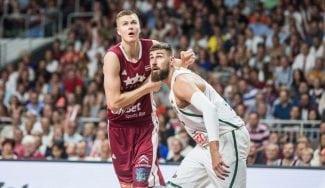 Dos ex ACB lideran la victoria de Letonia ante Lituania: brillan Porzingis y Bertans (Vídeos)