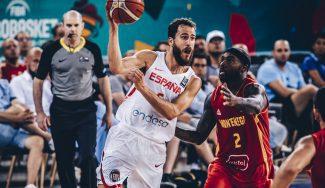España se luce en el debut con Montenegro: taponazo de Pau y magia del Chacho (Vídeo)