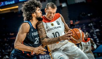 Un fichaje de los Celtics echa a Francia del Eurobasket: posteriza a Boris Diaw (Vídeo)