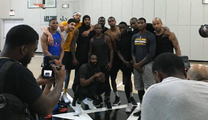 ¿Futuros compañeros? Carmelo, con Harden y Paul en una pachanga nivel All-Star (Vídeo)
