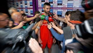 Navarro anuncia su retirada de la Selección: sus palabras y el aplauso del equipo (Vídeo)