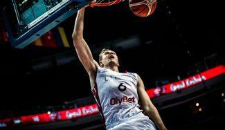 Porzingis sigue su show en el Eurobasket: 28 puntos, victoria y mucho espectáculo (Vídeo)