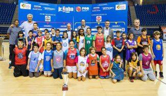 Fernando Romay, maestro de ceremonias del Draft de la Liga JR NBA-FEB de La Rioja