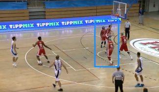 Un ex ACB, descalificado en Hungría por caer sobre un rival. Y es reincidente… (Vídeos)