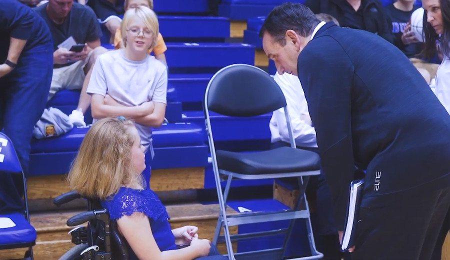 Un entreno especial: las estrellas de Duke se lucen ante niños de un hospital (Vídeo)