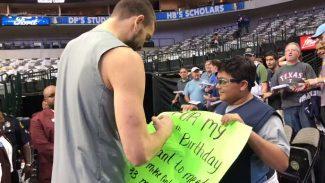 Un cumpleaños feliz: detalle de Marc Gasol con un joven fan de los Grizzlies (Vídeo)